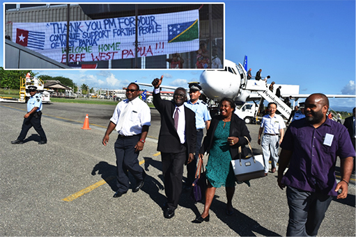 Pro West Papua Group Greet PM On Arrival from UNGA