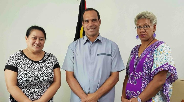 Advancing women in politics: Minister of Foreign Affairs, Ralph Regenvanu with 1st Political Advisor Mrs. Anthea Arukole (r) and and 2nd Political Advisor Mrs. Jeanette Yiu-Hing Faerua (l)