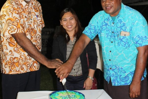 PINA President Moses Stevens, left, EJN's Imelda Abano and PEJN Interim President Iliesa Tora cut the cake to mark the official launch of PEJN in Tonga, on Monday night.