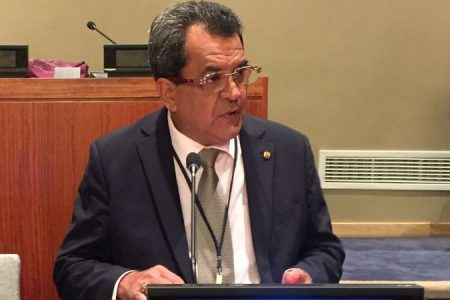 Revision of French Polynesia autonomy statute approved