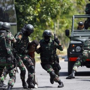 Deadly clashes break out between Indonesian and Papuan forces