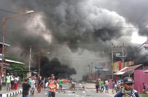 Thousands riot in Papua, parliament building torched
