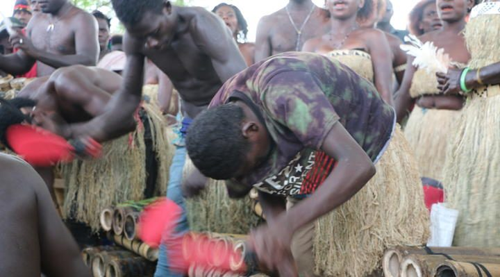 A cultural group performing in Bougainville Photo: RNZ Pacific / Johnny Blades